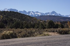 Towering (trainmann1) Tags: nikon d7200 amateur colorado co fall october 2018 vacation trip scenic west mountains mountainous snow snowcapped desert dry dusty dennisweavermemorialpark park