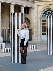 Beauty leaning against a column (pivapao's citylife flavors) Tags: paris france girl louvre architecture