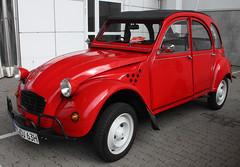 2CV (Schwanzus_Longus) Tags: citroën hamburg motor classics german germany france french old classic vintage car vehicle small compact citroen 2cv ente duck snail