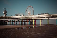 De Pier (chayawita) Tags: holland holanda pier playa noria canon canonistas travel landscape longexposure colores reflejos