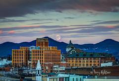 Super Wolf Moon Rising Roanoke 2019 [Explore!] (Terry Aldhizer) Tags: super wolf moon full rising roanoke virginia sky city sunset twilight january terry aldhizer wwwterryaldhizercom