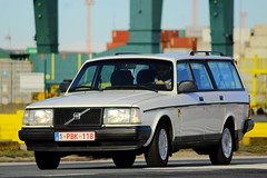 Volvo 240 (Dirk A.) Tags: 1pbk118 volvo 240