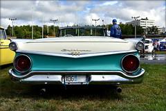 Man and machine. (Papa Razzi1) Tags: manandmachine summer august 500 skyliner ford 1959 wheelsnationals2018 v8 carmeet sweden stockholm solvalla