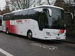 Landtourer Coaches of Fareham Mercedes Benz Tourismo M2 BU18YRJ at Johnston Terrace, Edinburgh, on 22 November 2018. (Robin Dickson 1) Tags: bu18yrj busesedinburgh landtoureroffareham mercedesbenztourismom2 globustours