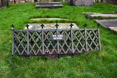 We are seven. (A tramp in the hills) Tags: weareseven wordsworth conwy churchyard grave