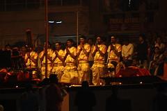 Aarti ceremony (Weltbürgerin) Tags: india uttar pradesh varanasi ghats holi hinduism