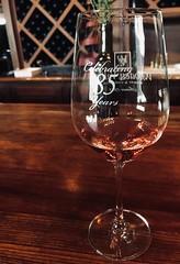 #WineTasting with #Friends (Σταύρος) Tags: atthecounter engravedglass fairfield 85years merrychristmas happyholidays redwine wineglass vineyard winery wine woodenvalley woodenvalleywinery winetasting friends kalifornien californië kalifornia καλιφόρνια カリフォルニア州 캘리포니아 주 cali californie california northerncalifornia カリフォルニア 加州 калифорния แคลิฟอร์เนีย norcal كاليفورنيا