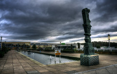 The Water Gardens (nigdawphotography) Tags: water gardens statue sculpture shops shopping thewatergardens harlow essex