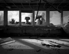 C 8 (andi_heuser) Tags: urban exploration lostplaces gebäude building fabrik factory architektur architecture verlassen abandoned alt old zerstört destroyed film analog analogue schwarzweiss blackwhite schwarzweissfilm ilford ilforddelta3200 6x7 120 andiheuser