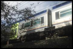 Train (Moro972) Tags: iphone6 2018 italy italia cornice border grigio grey light speed train treno