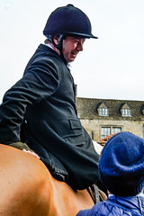 Let me tell you a story! (judy dean) Tags: 365the2019edition 3652019 day1365 01jan19 judydean newyearsday hunt meet stowonthewold