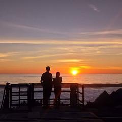 Sunset Silhouettes (Suma & Mohan) Tags: sunset silohuette palmtrees traveldairies2019 california worldnomads beachstateofmind dusk cellphonephotography travelgoals couplegoals goldenhour
