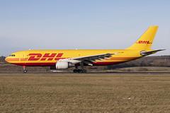 D-AEAM_AirbusA300-600F_DHL_LTN_Img02 (Tony Osborne - Rotorfocus) Tags: airbus a300 a300622rf freighter dhl eat leipzig germany london luton 2019 ltn