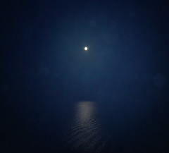 The moon and the sea (born to be an artist) Tags: