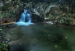 Otro saltito (candi...) Tags: saltodeagua naturaleza nature bosque riera agua rocas piedras sonya77 airelibre balsa corriente