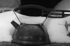 DSC_6517A (Grudnick) Tags: kettle ice snow cold frozen wx leaf november midatlantic hagerstown maryland knusprigeswasse brick masonry fall winter bw monochromatic d70 dslr