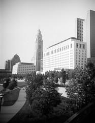 Skyline, Columbus, Ohio (ryanungeronline) Tags: 120film 2018 columbusohio fppdebonair ilfordfp4plus sciotomile bw bwnegative filmphotography toycamera video