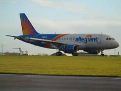 G-EZIR Airbus A319-111 (c/n 2527) Lasham (andrewt242) Tags: gezir airbus a319111 cn 2527 lasham