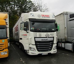 Trans Petro color WGM 15202 (Poland) at Beaconsfield services (Joshhowells27) Tags: lorry daf xf dafxf transpetrocolor poland polish wgm15202 curtainsider foreign foreigner
