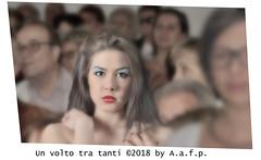 UN VOLTO TRA TANTI (ADRIANO ART FOR PASSION) Tags: ritratto portrait ragazza girl folla sfocato sguardo persone photoshop flou boken tiltshift adrianoartforpassion taglistrani crowd