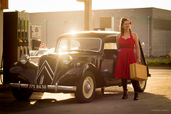 Shooting pour calendrier (Charlie Ledoyen) Tags: old normandie saintlô 60's 50's glamour chxphoto station chaleur french car traction canon600d vintage voiture citroen