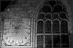 Rosko NB (QUILLIDIEC) Tags: church eglise bretagne brittany breizh noiretblanc blackwhite roscoff cadran finistere