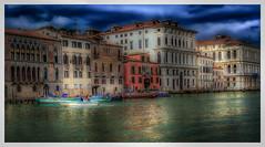 Look ! (philippedechet) Tags: venise artetculture architectureetbatiments voyages canal bateaux couleur