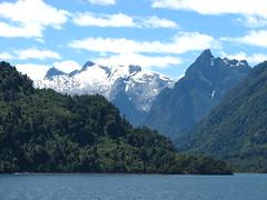 Huinay,Pumalin,Cordillera Andes,Patagonia !! (Gabriel mdp) Tags: montañas parque nacional pumalin reserva huinay patagonia chile cordillera andes bosques naturaleza paisajes fiordo leptepu contrastes