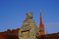 Wurzburg (Svend RS) Tags: 70200mm sel70200g zoom telephotolens telephoto sel70200m4g fe70200mmf4goss sonyilce7m3 sonya7 alpha a7m3 sonya7lll sonya7mk3 architecture church urban cityscape
