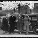 A2-312 Barfüßer Album, Unterwegs mit dem Automobil, 1920-1940 thumbnail