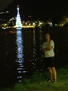 img_0666 (Ricardo Jurczyk Pinheiro) Tags: reflexo água iluminação árvoredenatal lagoarodrigodefreitas riodejaneiro