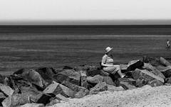 Hiddensee Impression (Jose Maria Photo-Art) Tags: hiddensee impression monochrom meer mujer frau licht light luz blanco negro schwarz weis ostsee