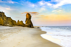 Marthas Vineyard, MA / United States: Lucy Vincent Beach. (brianloganphoto) Tags: rockformations chilmarksand sand ocean sunset marthasvineyard dramaticmonolithic landscape lucyvincentbeach surf massachusetts beach sky sea rocks