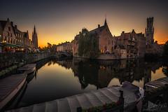 Brujas (A.Coleto) Tags: brujas brugge bruge belgica belgium atardecer sunset bracketing lucroit degradado ciudad agua naranja