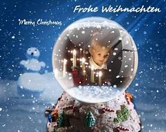 Frohe Weihnachten ! / Merry Christmas ! (ursula.valtiner) Tags: weihnachten christmas puppe doll luis künstlerpuppe masterpiecedoll weihnachten2018 christmas2018 schneekugel snowglobe snowball