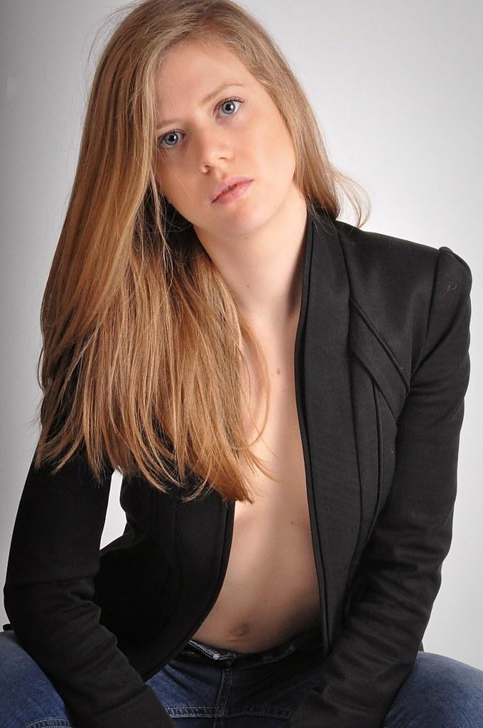 9fc384116d Charline (kin182photo) Tags: mode fashion veste noire black jacket ouverte  open blond hair