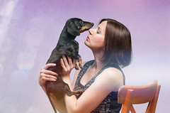 Anya & Toosya (Shumilinus) Tags: 2018 nikond300s 85mmf18 studio studioportrait people animals dogs dachshunds girls women