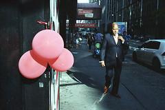 New York / Manhattan, 2018 (Marie Ilford) Tags: newyork manhattan streetphotography photographieargentique nikonfm2 35mm kodakportra400