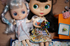 Blythe a Day 17 January 2019 - Puzzle (omgdolls) Tags: blythedoll blythe ema drablythe middie aliciacupcake aka7blythe cherryberry fauxgoldie ebl goldielookalike licca meredith blytheaday january rement