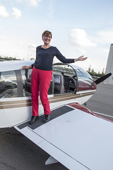 Uitgestapt (Dimormar!) Tags: driehoeksvlucht vliegtuig vliegveld rotterdam