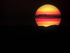 Piornal (puesta de sol) (JCMCalle) Tags: puestadesol sol landscape paisaje montaña mountain jcmcalle image photohoot fhotografy photofrapher nofilter naturaleza nature naturephotography nofilters piornal cielo