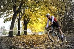 Tobias (olamorken) Tags: canon 1dxmk2 bikerider cyclocross cxracing cx teamsørensen superpokal trekbikes leafs autumn tobias zipp