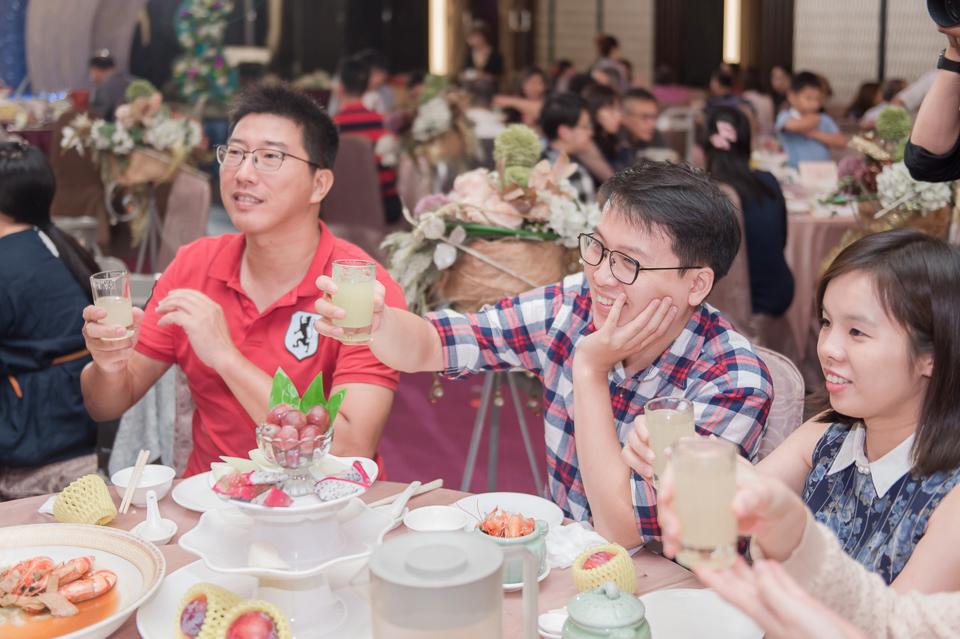 台南東東宴會式場 婚宴 走在幸福的紅毯上 R & B 154