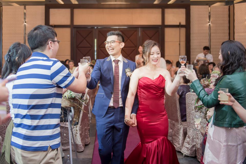 台南東東宴會式場 婚宴 走在幸福的紅毯上 R & B 130