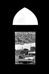 Through the window (Anselmo Portes) Tags: istambul istanbul turkey turquia galatatower janela window bw blackandwhite pb pretoebranco view
