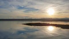 Sol de invierno. (Marina Is) Tags: sun sol winter invierno luz light war water agua