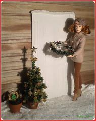 14.advent day - advent calendar with dolls (Mary (Mária)) Tags: christmas christmastree barbie cinderella ladytremaine barefootinthepark cateblanchett door exterior doll mattel wreath handmade winter snow marykorcek