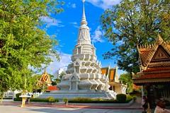 Silver Pagoda (adamsgc1) Tags: silverpagoda royalpalace phnompenh stupa tomb monument