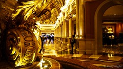 The golden way (@manylaughs) Tags: manylaughs gold golden hallway casino venetian lasvegas hall