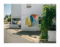 Tavira, Portugal (Sr. Cordeiro) Tags: tavira bairrodospescadores algarve portugal rua street bairro neighborhood estendal clothesline panasonic lumix gx80 gx85 1232mm